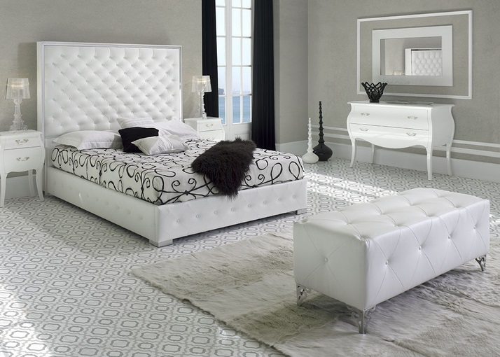 Banco pie de cama tapizado capitone B-24 - www.regaldekor.com