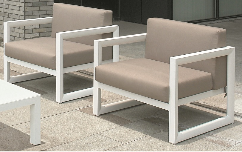 Set de terraza laos aluminio blanco cojines moka www for Sofa exterior aluminio blanco