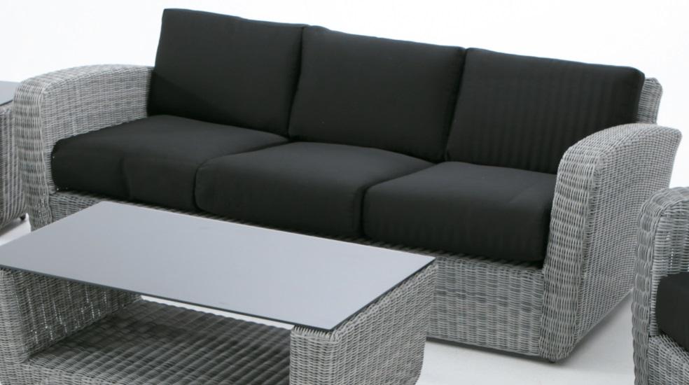 Sofas terraza conjunto de terraza de palets sofs y for Sofas y butacas baratos